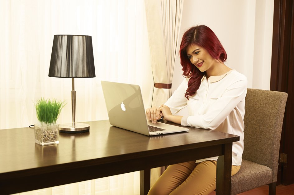 image victoria-with-computer-on-desk-3-jpg