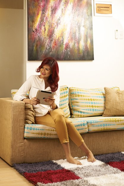 image victoria-with-ipad-on-couch-sitting-2-jpg